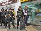 อดีต รปภ. กราดยิงถล่มห้าง! จับตัวประกัน30 คนในห้างฯ – ผู้ก่อเหตุพกระเบิดหลายลูก