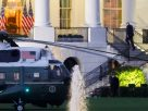 """กลัวซะที่ไหน! """"ทรัมป์"""" ออกจาก รพ. เดินป๋อกลับทำเนียบขาว บอกคนอเมริกันชน """"ออกมาใช้ชีวิต"""""""